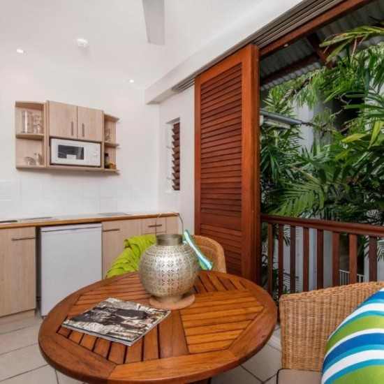 The Reef Retreat Palm Cove - Enjoy 40% Off + Free Palm Cove Upgrade to Superior Spa at Reef Retreat Palm Cove!